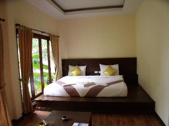 Lanta Klong Nin Beach Resort: chambre