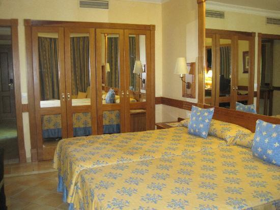 Costa Adeje Gran Hotel: Our 4th floor room