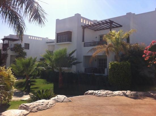Delta Sharm Resort: our apartment..ground level.