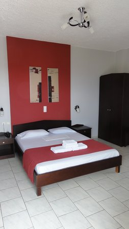 Mirtilos Studios & Apartments: Camera dell'hotel