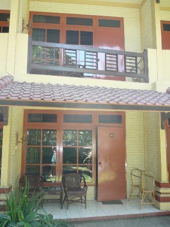 Bali Coconut Hotel: Le devant de la chambre