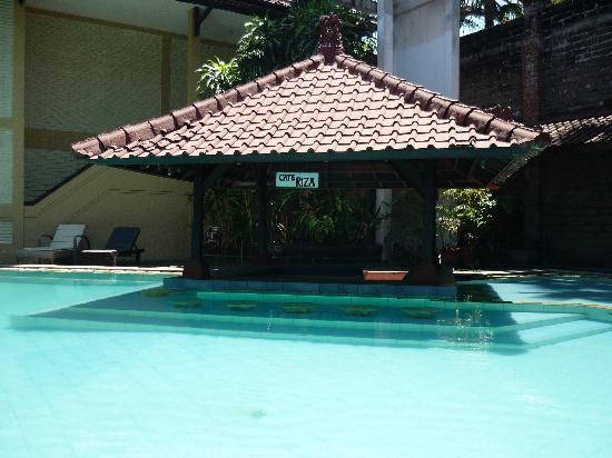 Bali Coconut Hotel: Le bar fantome