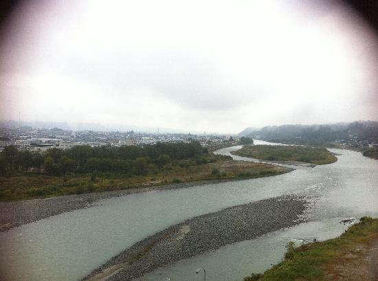 Yoshinotei : 目の前の川