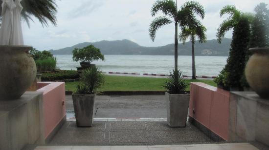 โรงแรมซีวีว ป่าตอง: View from restaurant