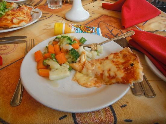 Sunscape Puerto Vallarta Resort & Spa: Steamed veggies and pizza, so it's kinda healthy right?