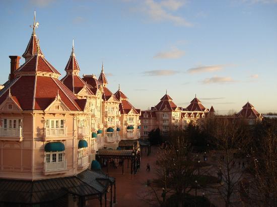 Disneyland Hotel: Vistas desde el balcón