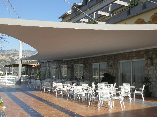 Art Hotel Gran Paradiso: Terrace Bar