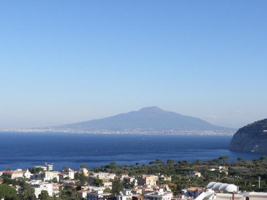 Art Hotel Gran Paradiso: View of Vesuvius
