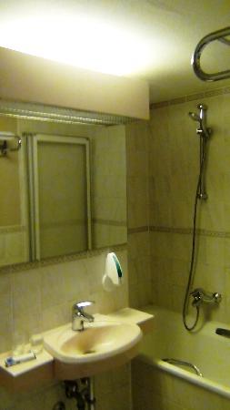 Georghof Hotel Berlin: Bathroom