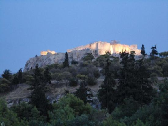 Filoistron : view of the Acropolis from our table