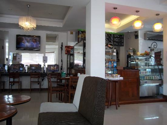 Lao Silk Hotel: lobby hotel with bar