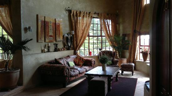 Marianne Wine Estate Guesthouse: Main House Living Room