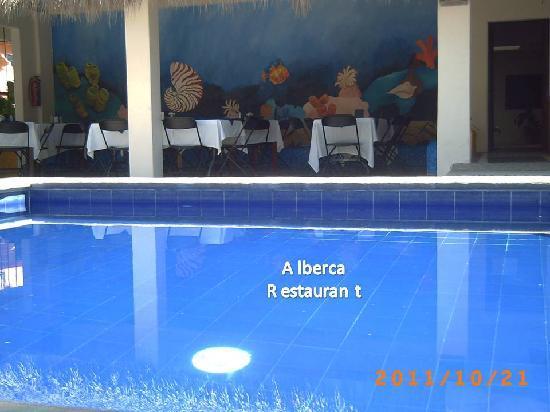 Hotel Arrecife: Alberca y Restaurant