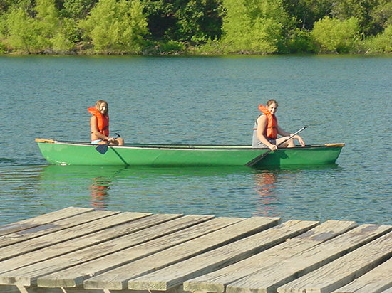 Deer Creek Lodge: The kids love to canoe