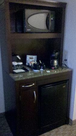Hilton Garden Inn Charlotte / Mooresville : Beverage Station
