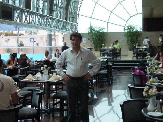 Delfines Hotel & Convention Center: En el Restorant