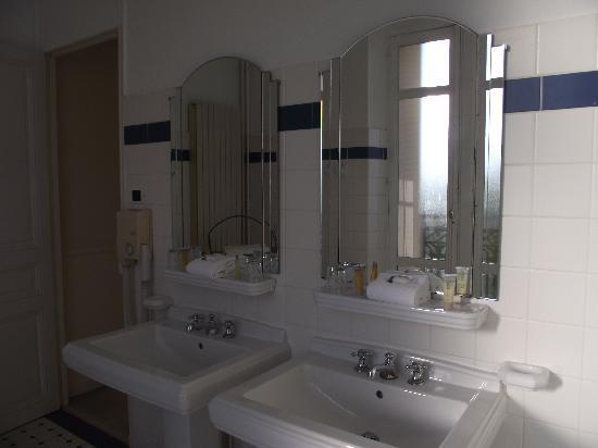 Club Med Vittel le Parc : salle de bain