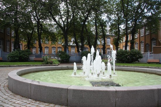 """Stiftsgarden: Enjoy this """"green lung"""" in the middle of Trondheim centre"""