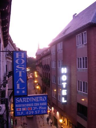 Hostal Sardinero: View up Calle Prado