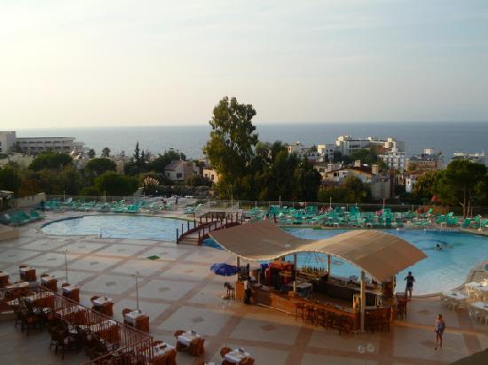 Sea Pearl Otel: The pool