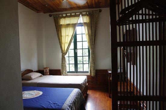 Villa Chitdara 2 Guesthouse: Chambre donnant sur le Mékong