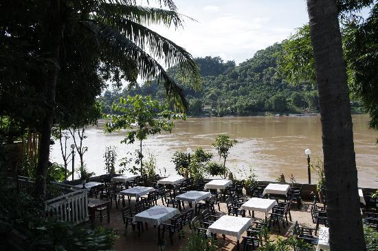 Villa Chitdara 2 Guesthouse: Restaurant à proximité