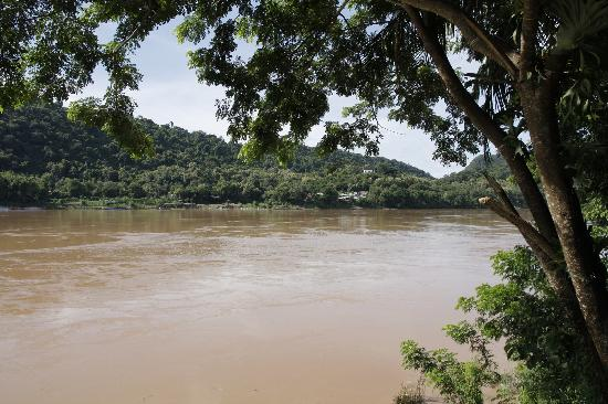 Villa Chitdara 2 Guesthouse: Mekong en face de Chitdara