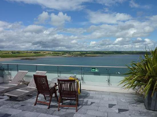 Ardmore, Ierland: Terrace of a suite.