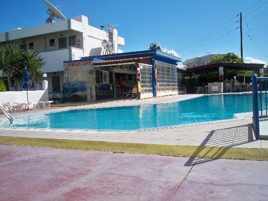 Nicon: View of the pool and pool bar