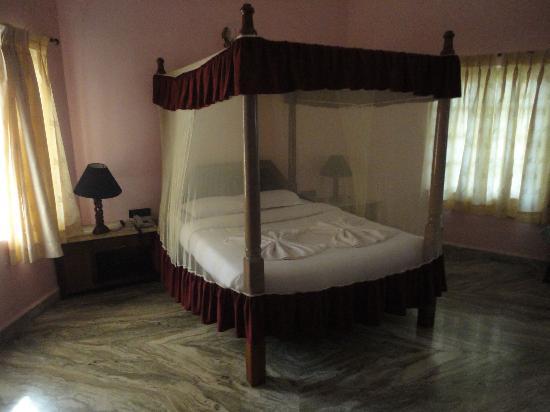 Leoney Resort: Bett