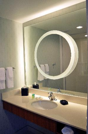 SpringHill Suites McAllen: Bathroom