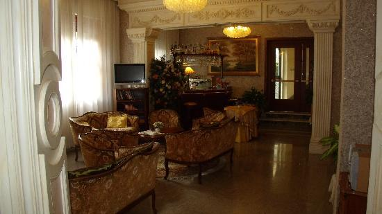 Hotel Patria: Lounge