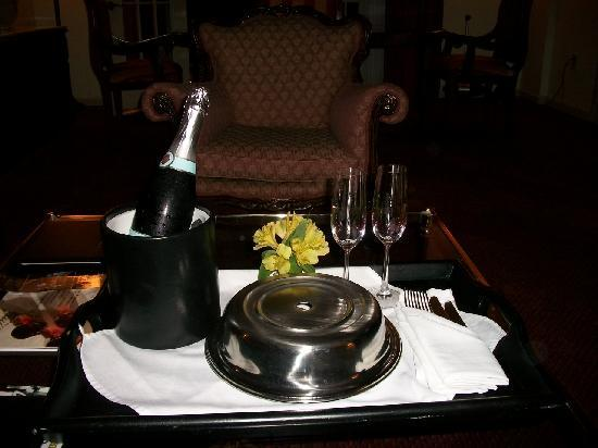 The Siena Hotel, Autograph Collection: Room Service