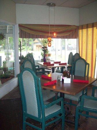 Cafe Adirondack: Cafe dining room