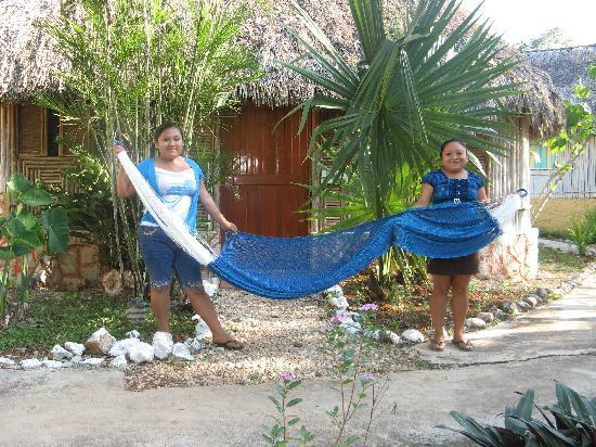 Cabanas Uh Najil Ek Balam : The girls in this village make spectacular hammocks