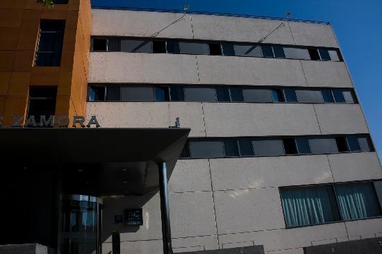 AC Hotel Zamora: La fachada