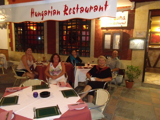 Cala Luna Restaurant: outdoor seating