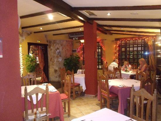 Cala Luna Restaurant: inside area