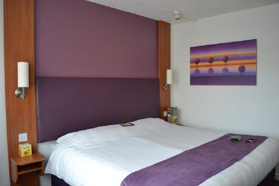 Premier Inn Glasgow City Centre (Argyle Street) Hotel: Bed