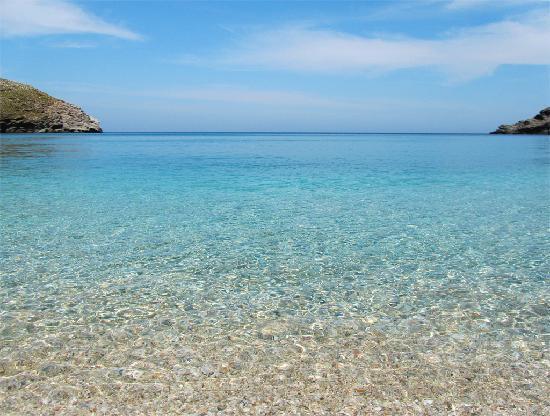 Andros Town, Yunanistan: AHLA BEACH