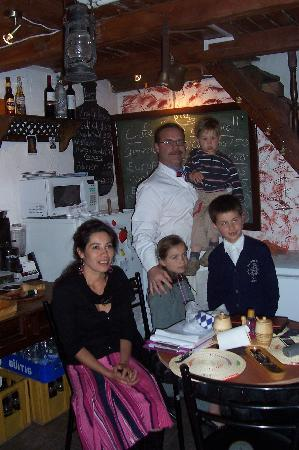 Cafe Dios No Muere: owner and his family