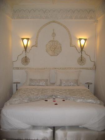 Riad Argan: Amazing bed