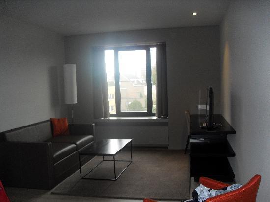 Aparthotel Castelnou: The lounge