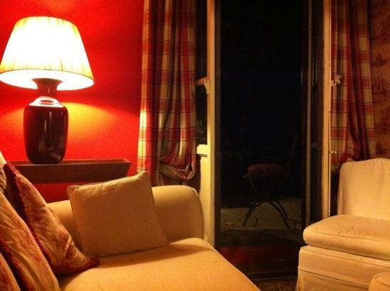 Lilium Hotel: lounge