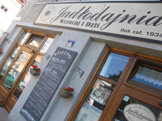Jadlodajnia Wczoraj i Dzis: facade of the restauarnt