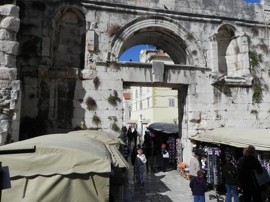 Eastern (Silver) Gate