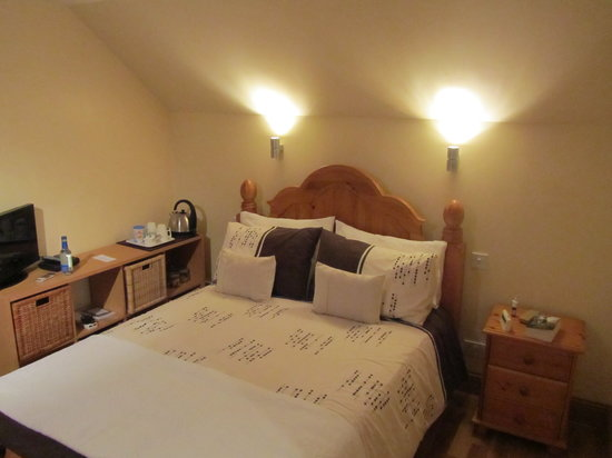 Fairdene Self Catering Cottage and B&B: Room 1 ensuite