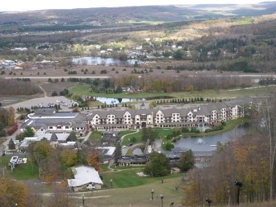 Boyne Mountain Resort: Boyne from atop the ski slope