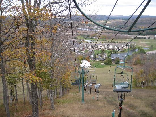 Boyne Mountain Resort: ski lift in the fall