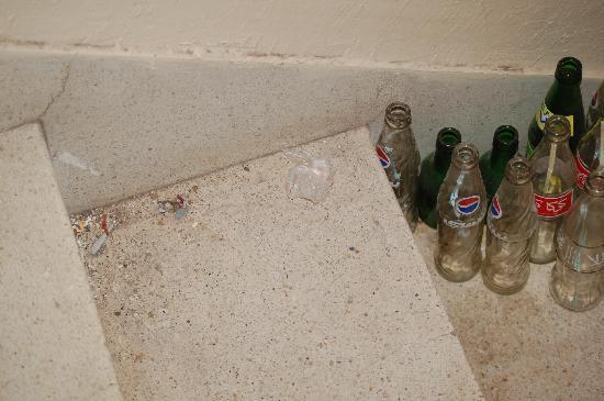 Hotel Sahara Inn: boisson alcool escalier